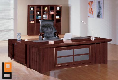 فرش-مكاتب-واجود-انواع-كراسي-مكتب